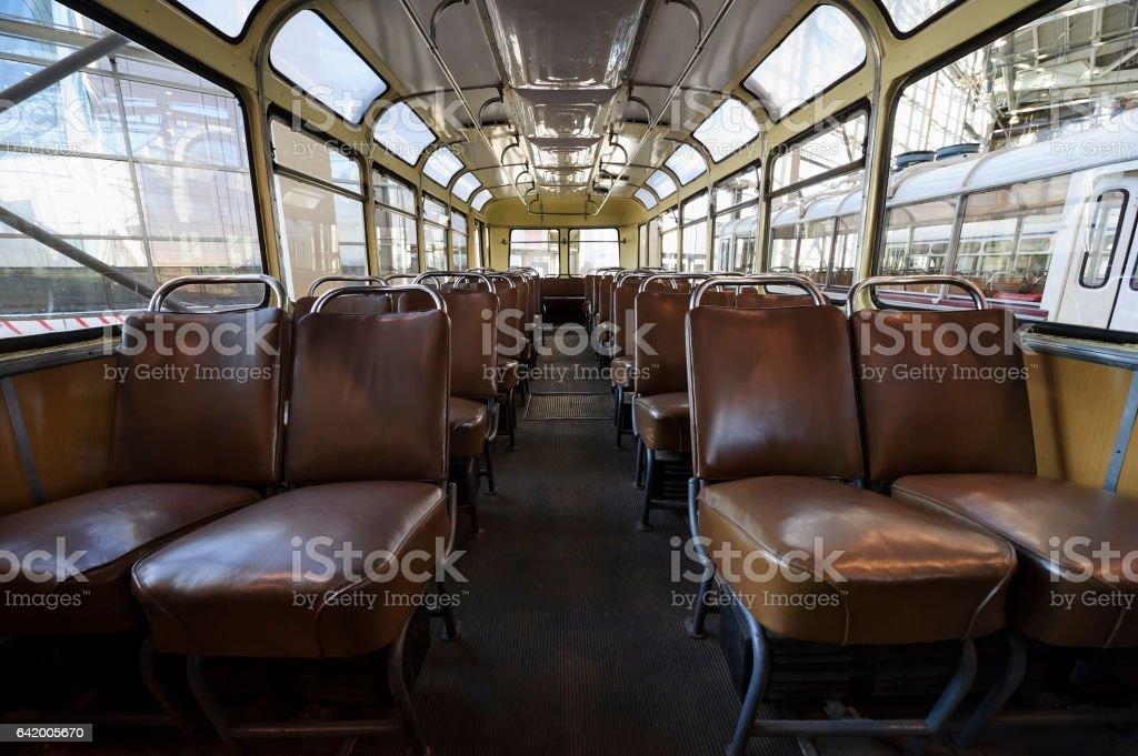 Viejo interior de bus - foto de stock
