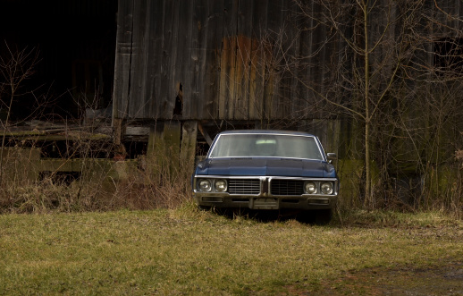 istock Old Car and Barn 185067461