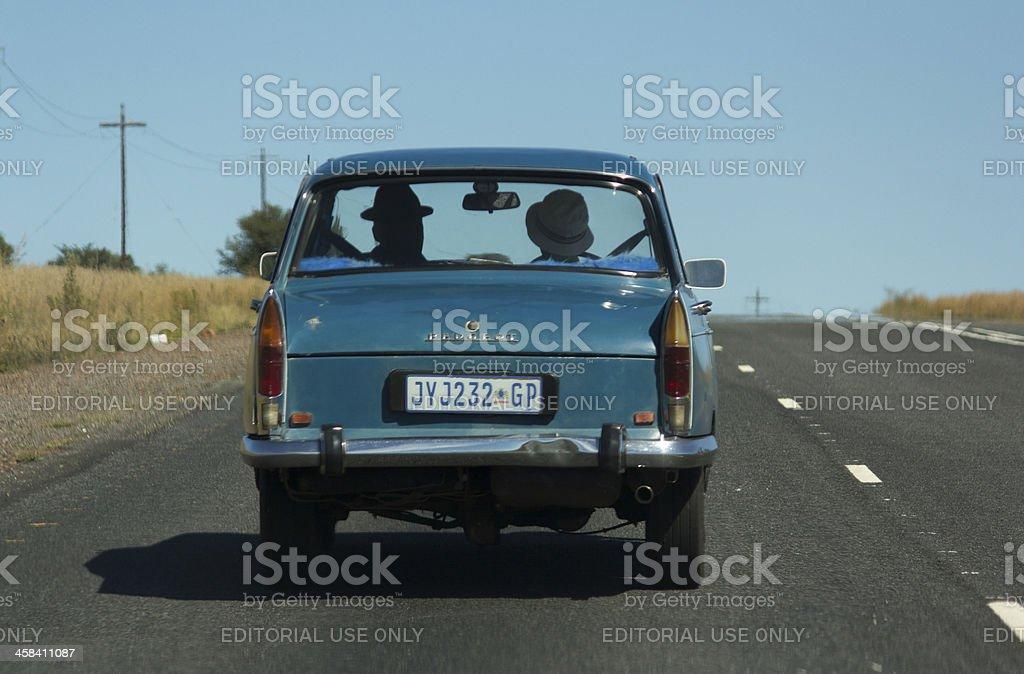 Altes Auto bergauf fährst – Foto