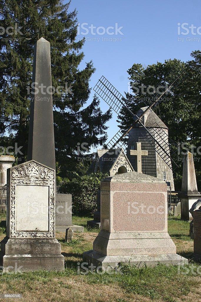 Stary Cmentarz i Wiatr Dostarczył energii elektrycznej Budowę zbiór zdjęć royalty-free