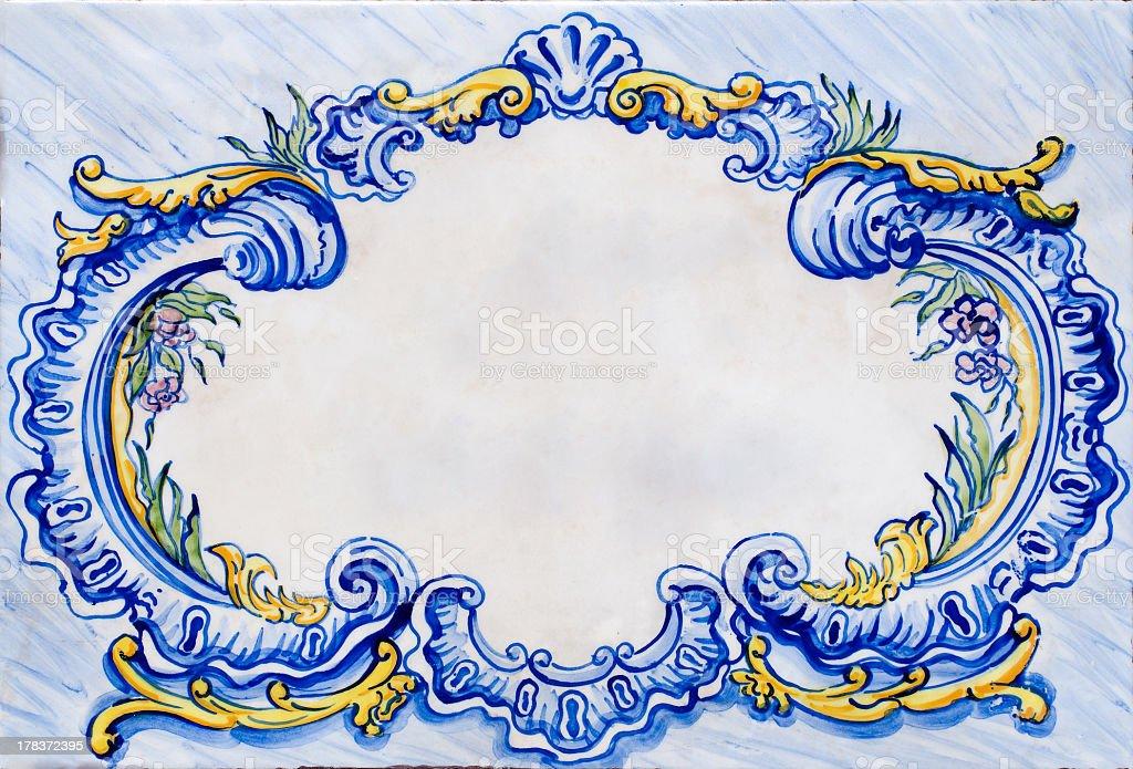 Antiga Moldura de Telha cerâmica Coberto de Camada Lustrosa - fotografia de stock