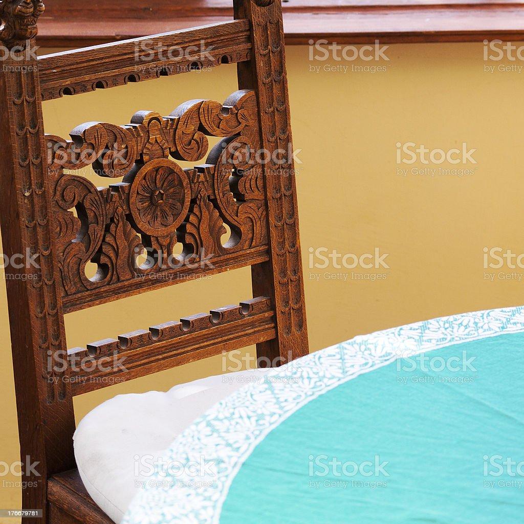 Old silla y mesa foto de stock libre de derechos