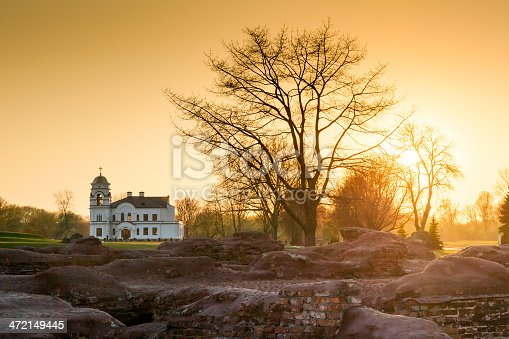 istock Old church in the ruins of the Brest Fortress, Republic of Belarus 472149445