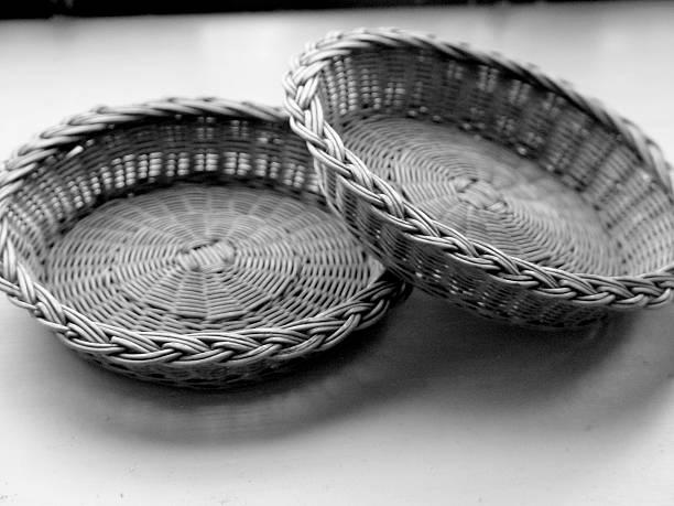 old church offering plates - 大比大 聖經人物 個照片及圖片檔
