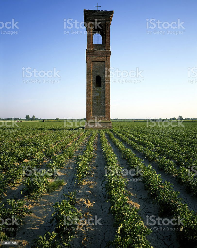 Vecchia chiesa Tower foto stock royalty-free