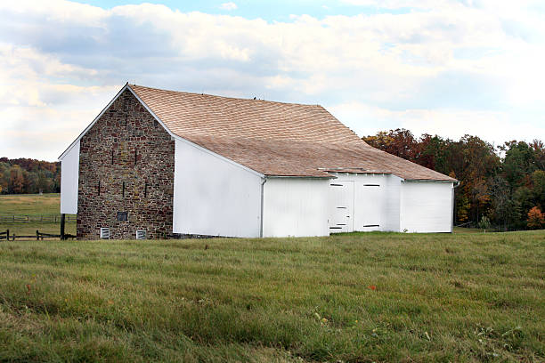 Old CIvil War Barn Gettysburg Battlefield Old CIvil War Barn Gettysburg Battlefield civil war memorial minnesota stock pictures, royalty-free photos & images