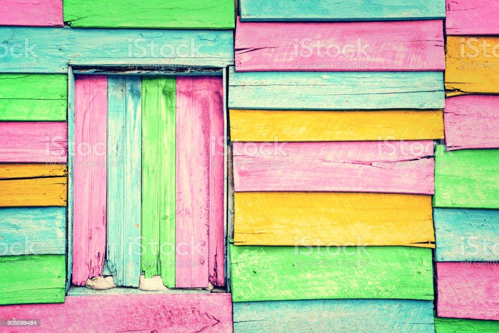 Antiga muralha de madeira colorida - foto de acervo