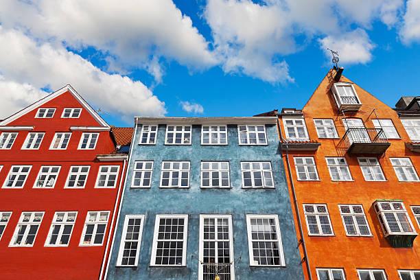 alte kopenhagen architektur - hotels in kopenhagen stock-fotos und bilder