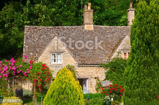 Vecchio cottage in bibury inghilterra fotografie stock e for Piani architettonici di cottage