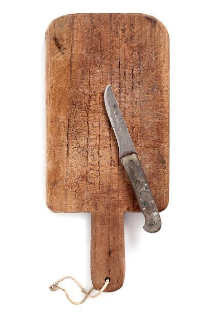 Alten Schneidebrett und Messer – Foto
