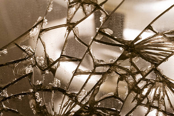 old damaged mirror glass - alte spiegel stock-fotos und bilder