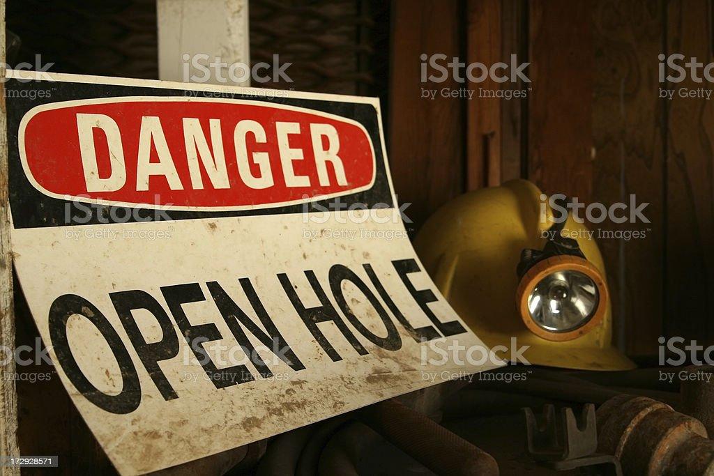 Old Gefahr Zeichen aus einer mine. – Foto