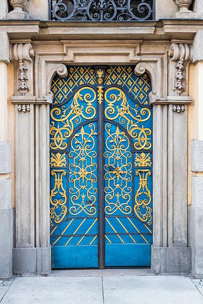 Alte dekorative blauen Türen – Foto