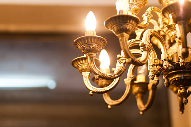 old decorative chandelier - kroonluchter stockfoto's en -beelden