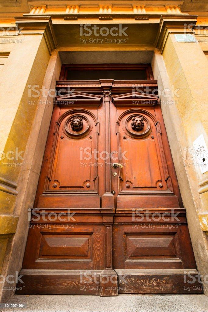 Alte Turen Griffe Schlosser Gitter Und Fenster Stockfoto Und