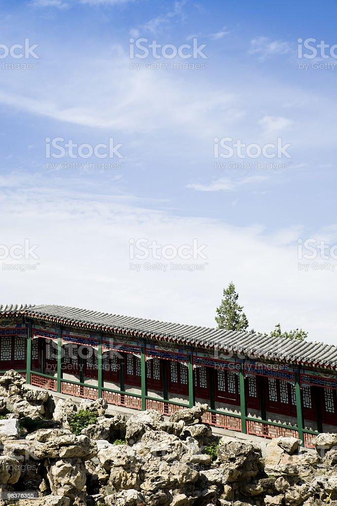 Vecchio passaggio sopraelevato nel Giardino cinese foto stock royalty-free