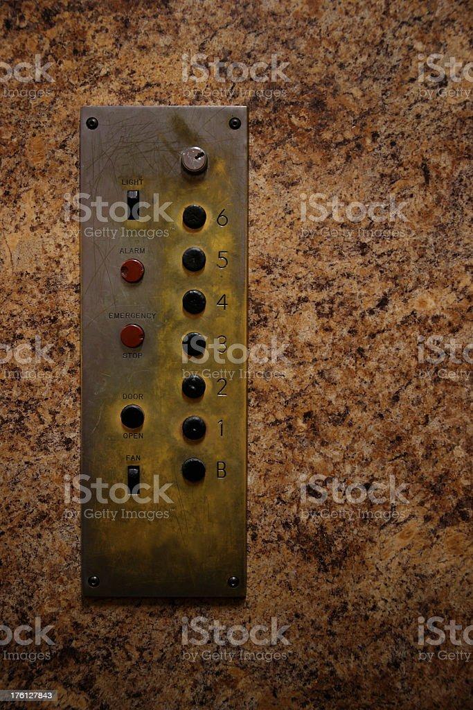 Old ascensor en panel - foto de stock