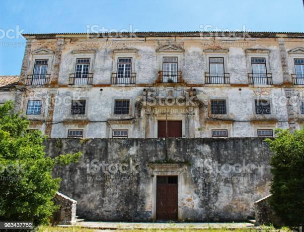 Stara Fasada Na Ulicy Lizbony - zdjęcia stockowe i więcej obrazów Architektura