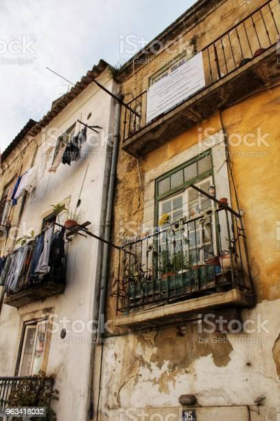 Stara Fasada Typowego Domu W Lizbonie - zdjęcia stockowe i więcej obrazów Architektura