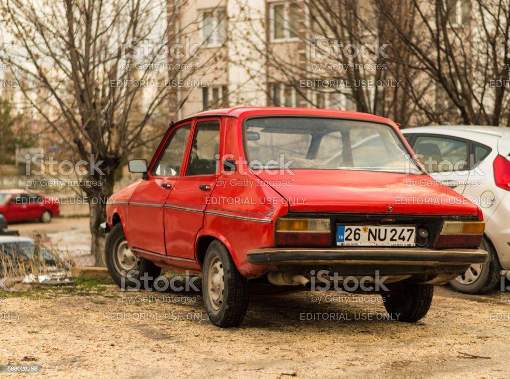 Photo Libre De Droit De Vieille Famille Voiture 1974 Rouge Renault 12 Ts Garee Dans La Rue A Eskisehir Banque D Images Et Plus D Images Libres De Droit De 1970 1979 Istock
