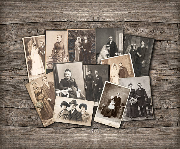 Old family photos laid out on wooden background picture id478384809?b=1&k=6&m=478384809&s=612x612&w=0&h=iee3cfinneda71ochkl9cukcuqzsbi4ps rcperrypo=