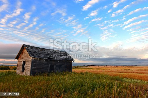 876420064istockphoto Old Farm House 851958730