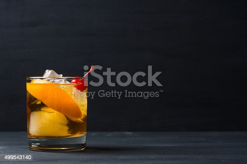 istock Old fashioned cocktail 499543140