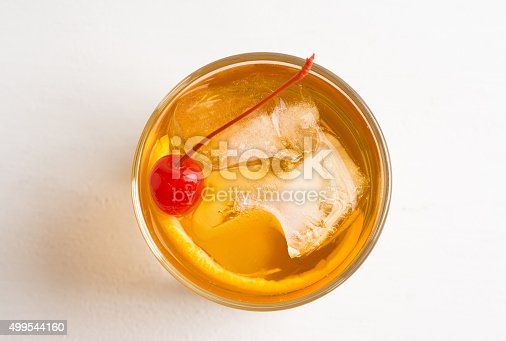 istock Old fashioned cocktail 499544160