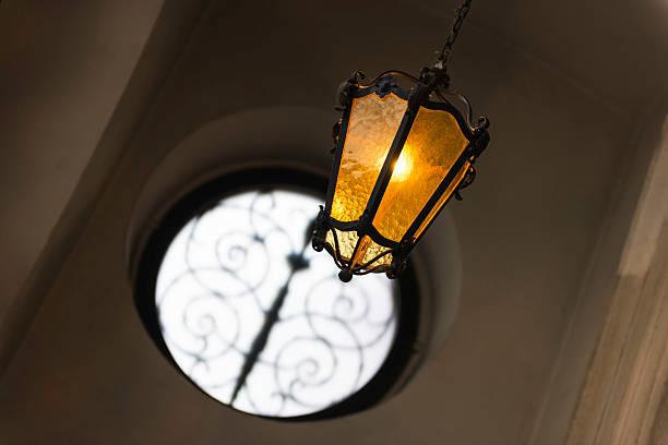 old fashioned orange vintage lampe in wien - eisenstadt austria stock-fotos und bilder