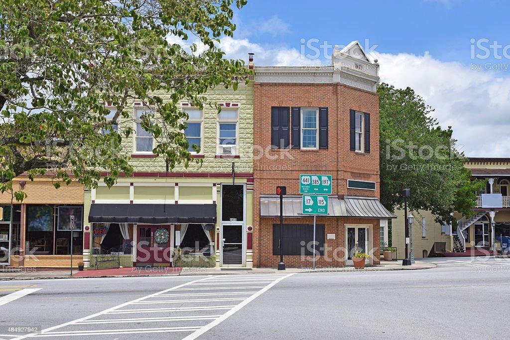Old Fashioned Geschäfte der Main Street in – Foto