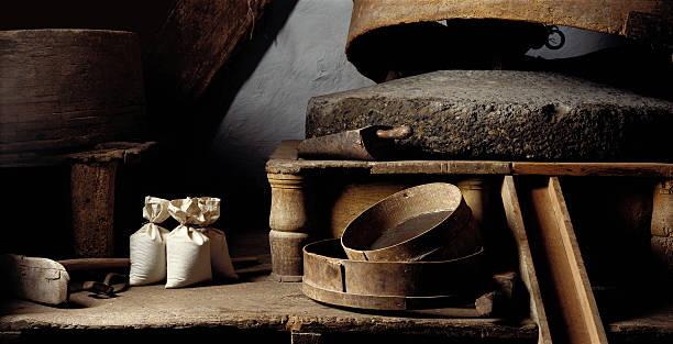 늙음 제분소 - 제조 공장 뉴스 사진 이미지