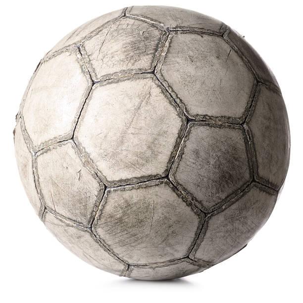 old Fußball ball, isoliert auf weiss – Foto