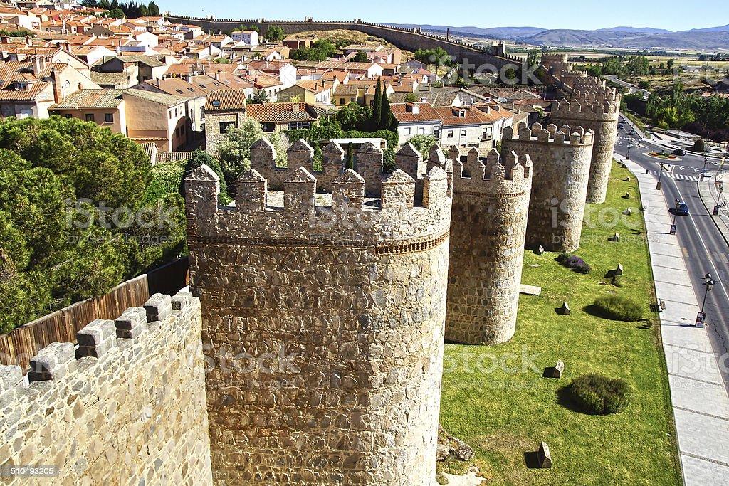 Antigua fortaleza de las paredes. - foto de stock