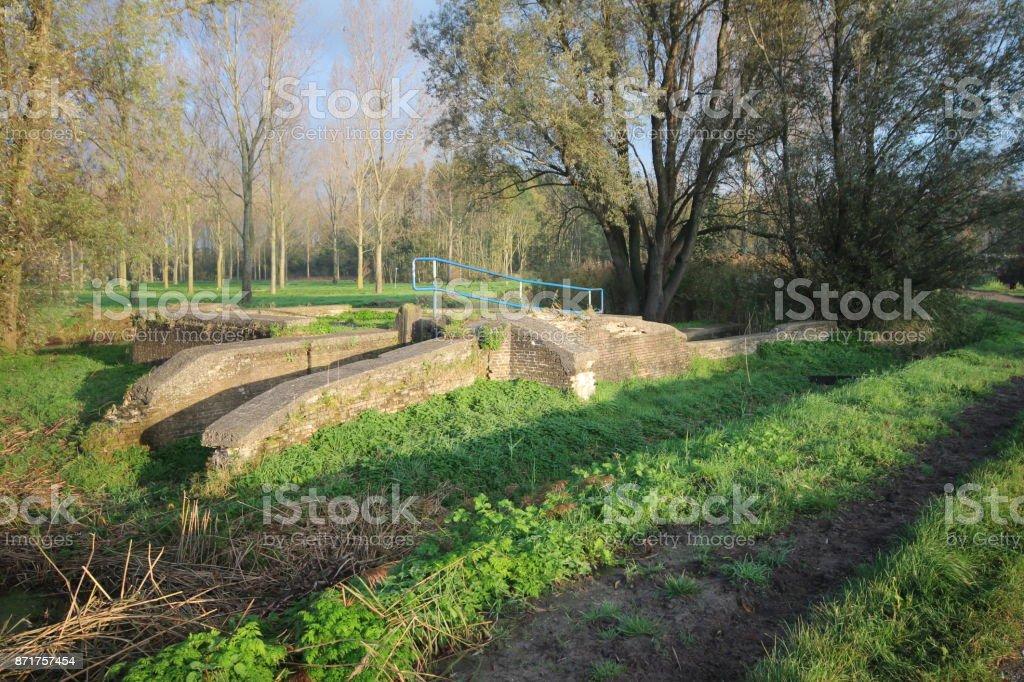 oude fundement van een windmolen parc hitland nieuwerkerk aan den IJssel foto