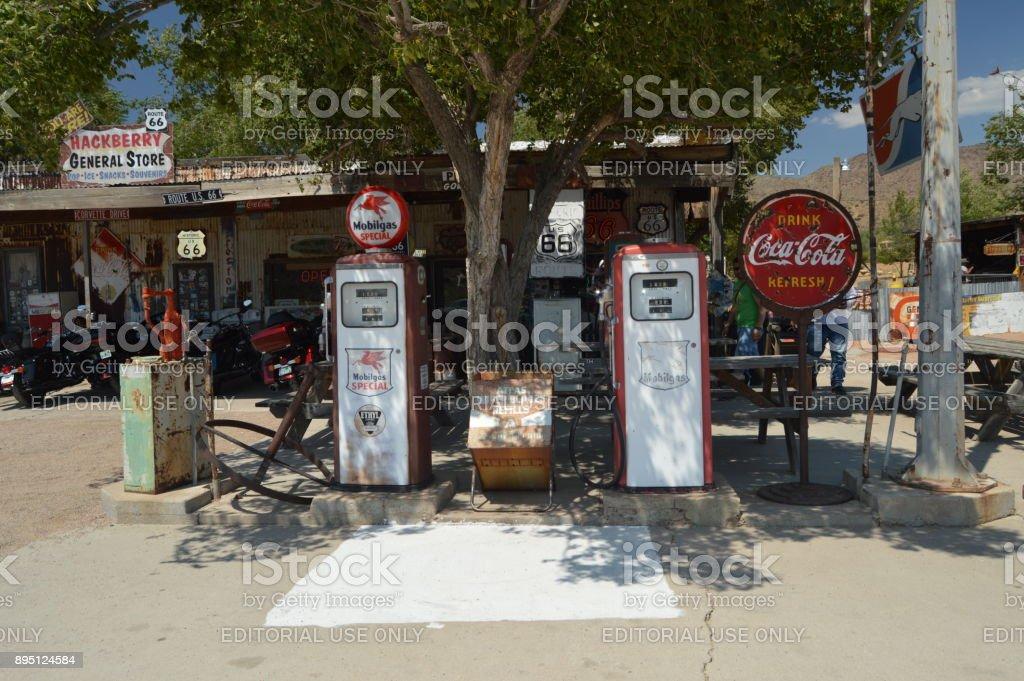 Antigua estación de Gas en HackBerry, 22 de junio de 2017. Ruta 66. Estados Unidos de Arizona, EEUU. - foto de stock