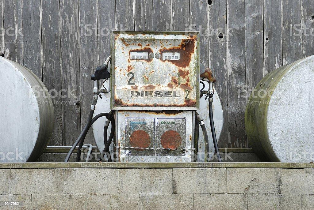 Alten Benzin und Diesel Pumps und Tanks Lizenzfreies stock-foto