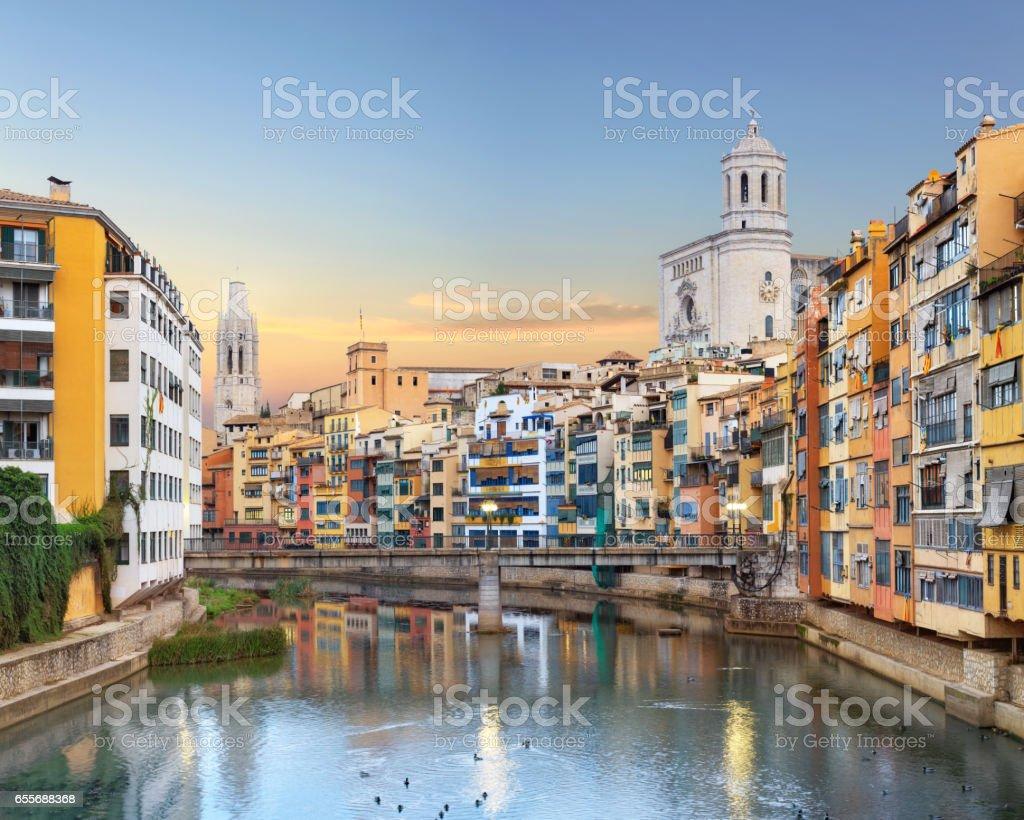 Girona Altstadt, Blick auf Fluss Onyar – Foto