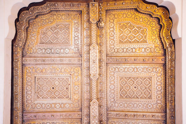 Alte goldene Türen des Stadtschlosses Jaipur – Foto