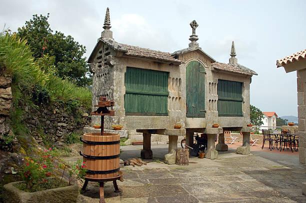 Old Getreidespeicher und wine press – Foto