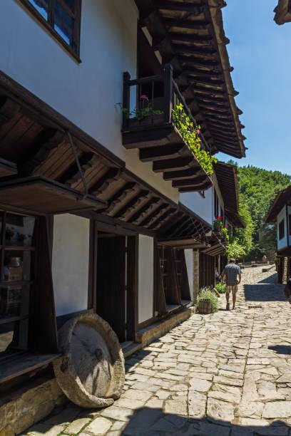 Casa antigua en arquitectura Etar compleja etnográficos (Etara) junto a la ciudad de Gabrovo, Bulgaria - foto de stock