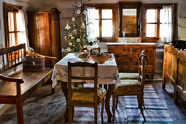 old interier - bett landhausstil stock-fotos und bilder