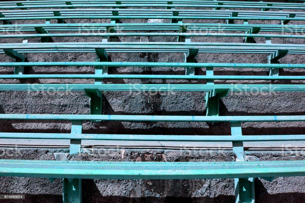 Old Iron Benches - foto de stock