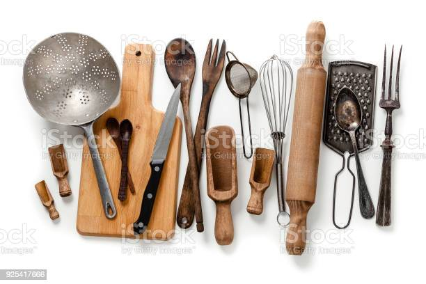 Old kitchen utensils frameisolated on white background picture id925417666?b=1&k=6&m=925417666&s=612x612&h=740lzohzva9k7luwg5b9wmdneri3lcbvchywppknhhw=