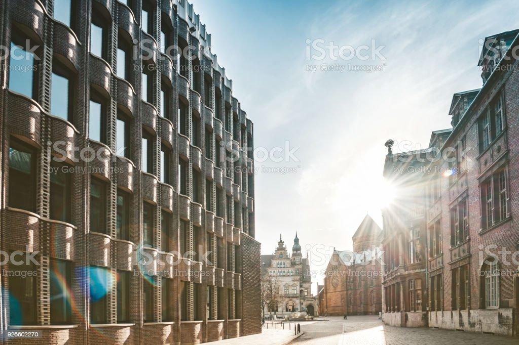 alte Gasse in Bremen mit historischen Backsteinbauten – Foto