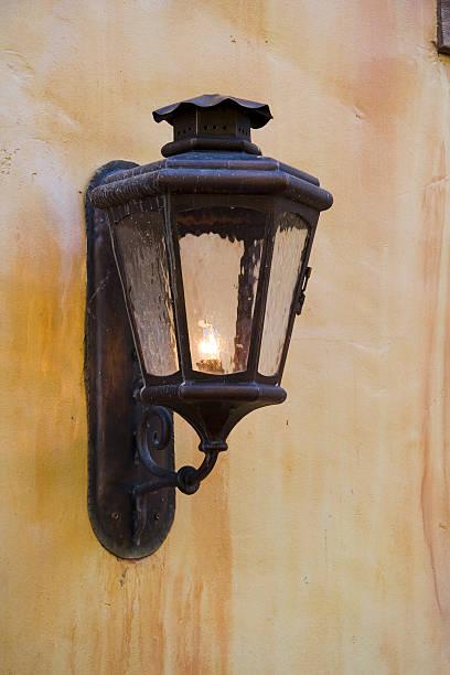 Old Licht auf Gebäude – Foto