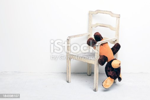 istock Old little bear on the chair XXXL 184598107