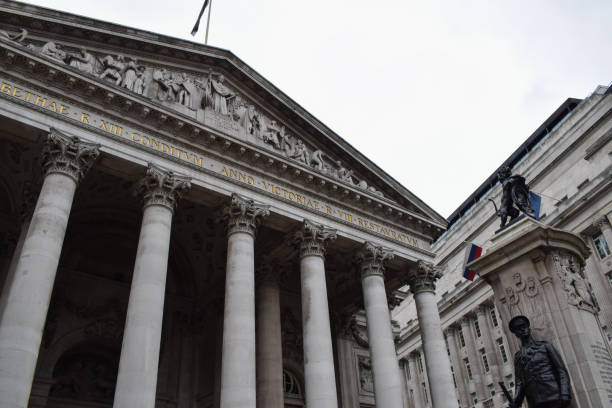 old london stock exchange building - new york stock exchange stock pictures, royalty-free photos & images