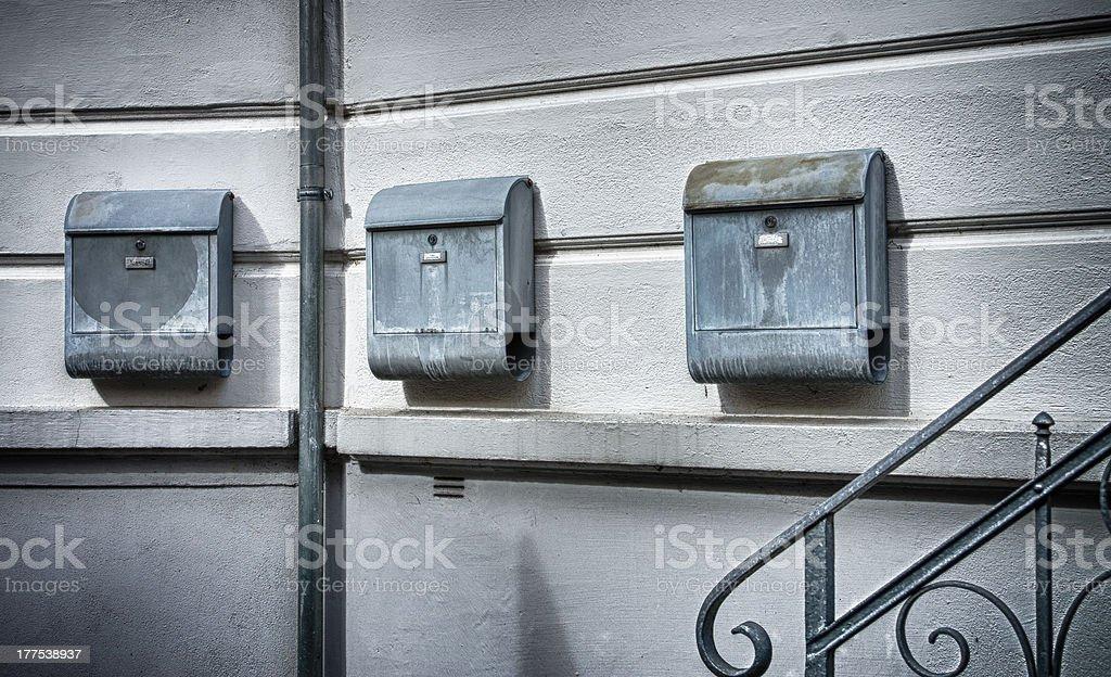 Alte, einsam Briefkasten Lizenzfreies stock-foto