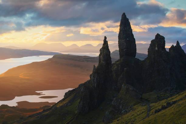 Old Man of Storr sunrise, Isle of Skye, Scotland A beautiful sunrise seen from Old Man of Storr, Isle of Skye, Scotland isle of skye stock pictures, royalty-free photos & images