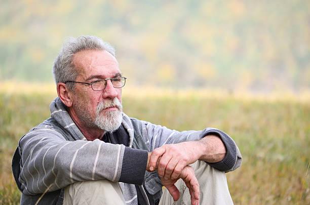 old man - portait background stockfoto's en -beelden